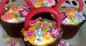 Vickys Easter Baskets / Mothers Day Cupcakes A Decorating Idea