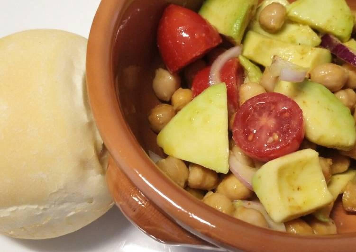 Roasted chickpea and avocado salad