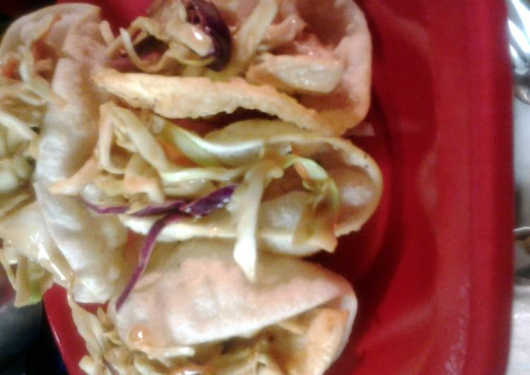 copycat recipe for Applebees wonton chicken tacos