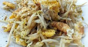 Fried Eggs With Bean Sprouts
