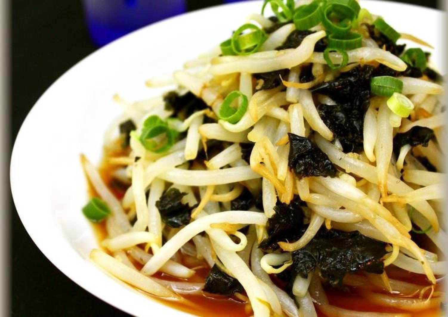 Bean Sprouts and Nori Seaweed Salad With Sweet Vinegar Garlic Sauce