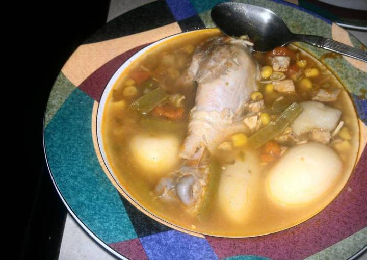 CHICKEN SOUP WITH SPINACH