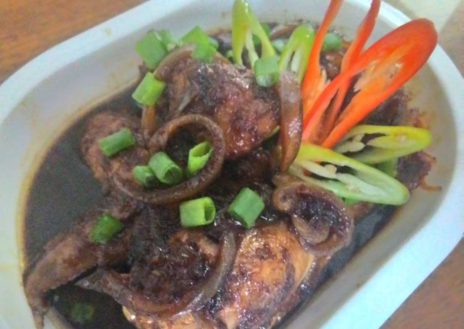 Honey chicken cooked in soy sauce