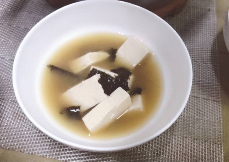 Recipe of Quick Miso Soup with Dried Seaweeds