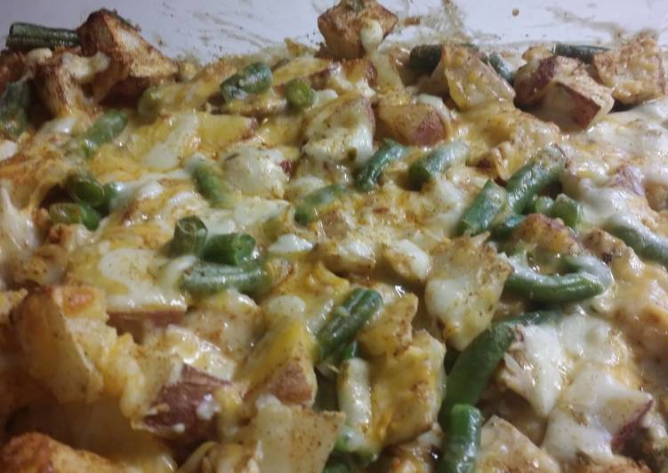 Chicken tator tot casserole with red potatoes and green beans