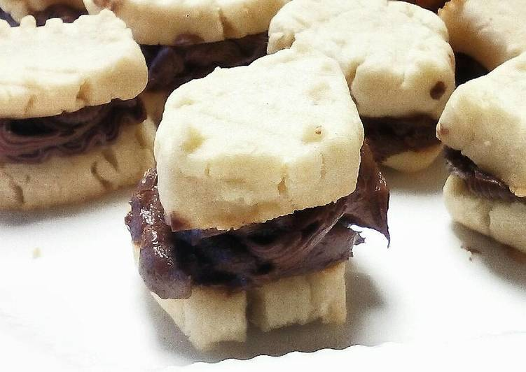 My lil' Shortbread Cookies with Chocolate