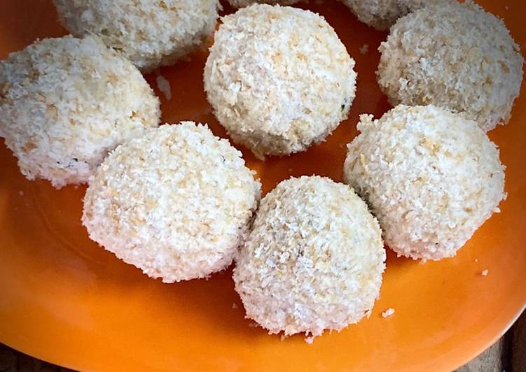 Steps to Prepare Any night of the week Mawa coconut laddu
