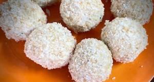 Mawa coconut laddu