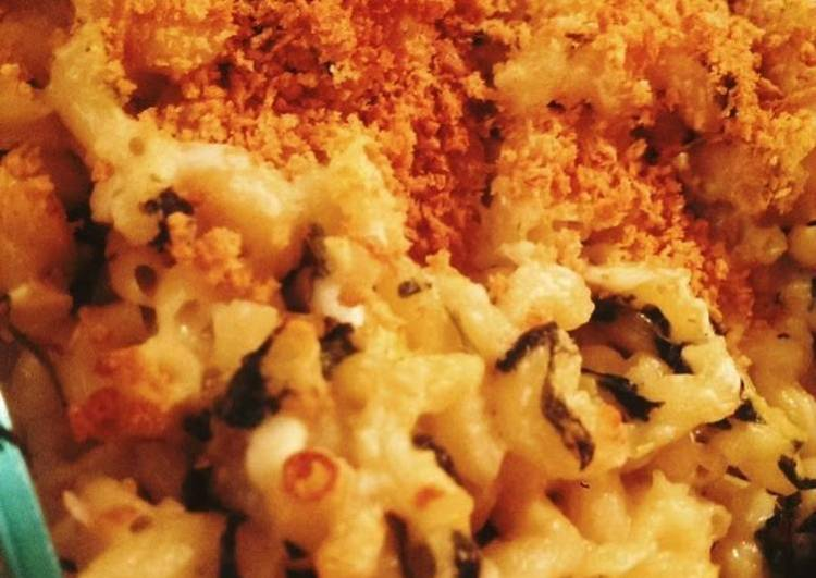 Creamy Greek Mac & cheese
