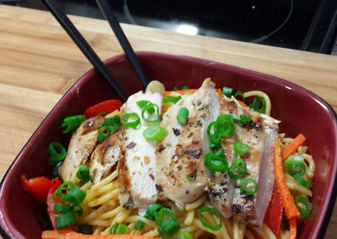 Recipe of Favorite Grilled Cilantro Chicken with Spicy Thai noodles