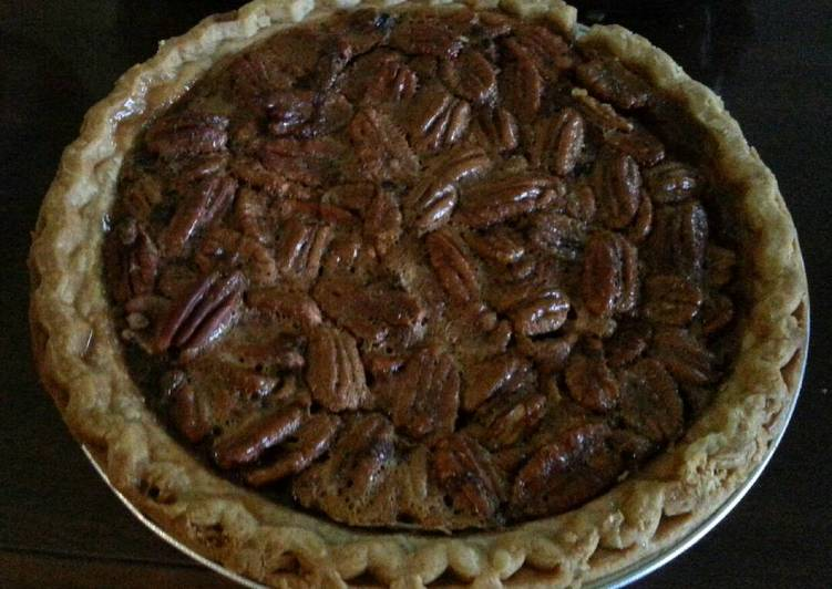 Charlotte's Famous Pecan Pie