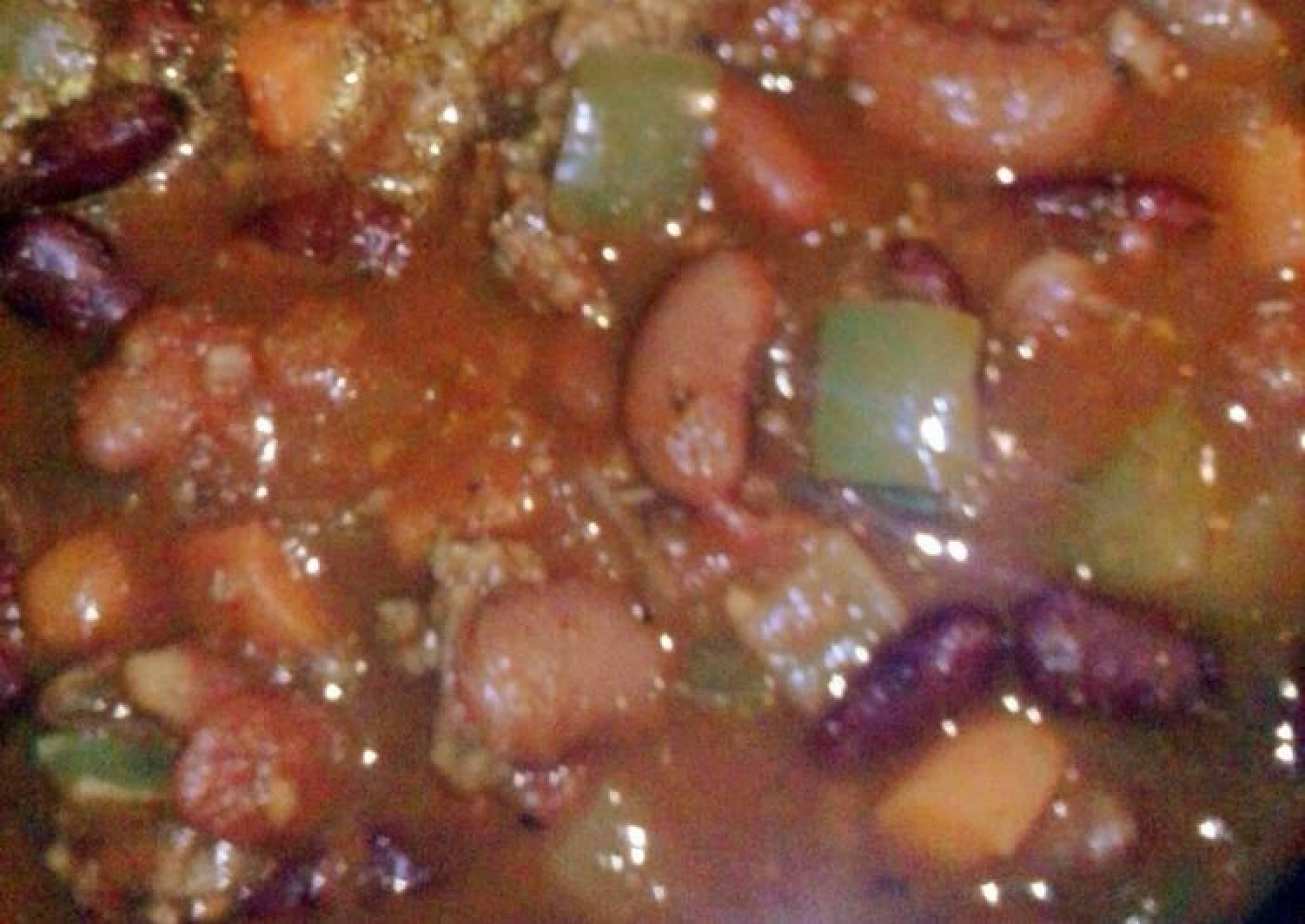 Guaranteed Great Game Day Chunky Crock Pot Chilli