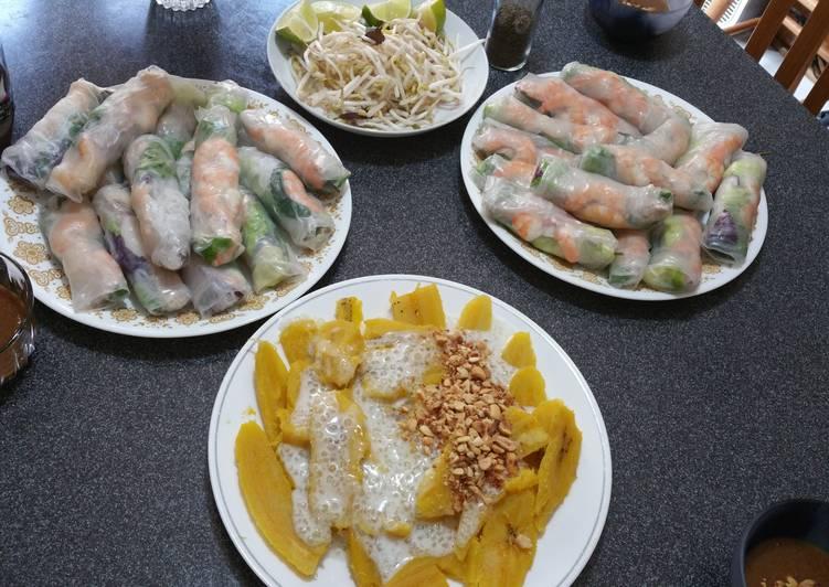 Recipe: Yummy Vietnamese Summer Rolls with spicy garlic peanut sauce