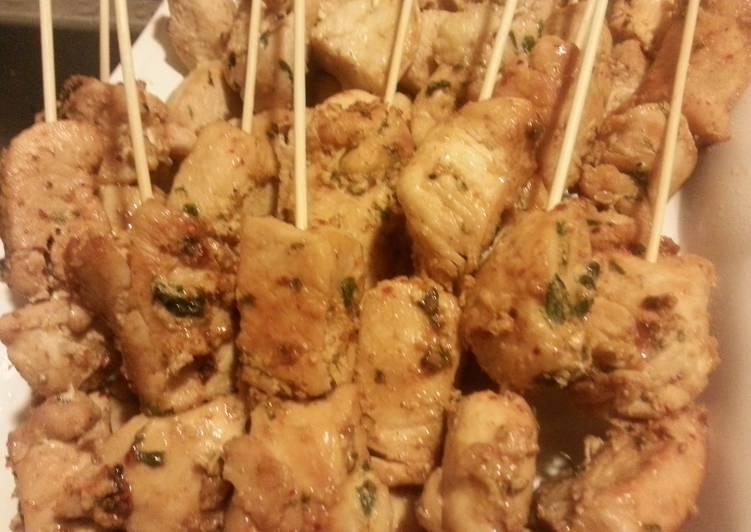 Recipe of Ultimate Basil Chicken Kabobs with honey mango chutney sauce