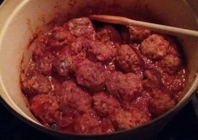 Meatballs with Meze Rigatoni