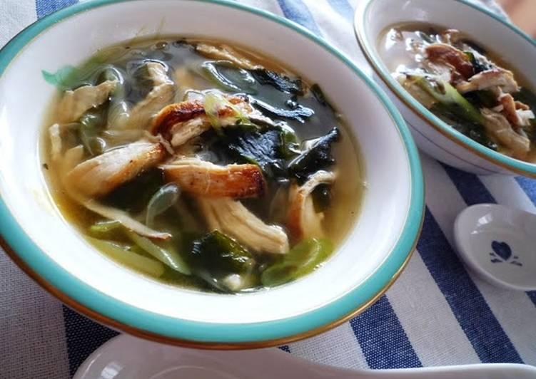 Simple  Tasty Green Onion  Chicken Soup