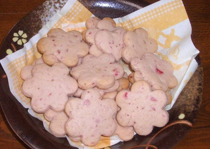 Dairy-Free Strawberry Cookies