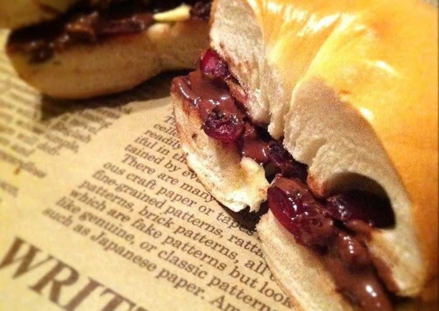 Berry & Chocolate Bagel Sandwich