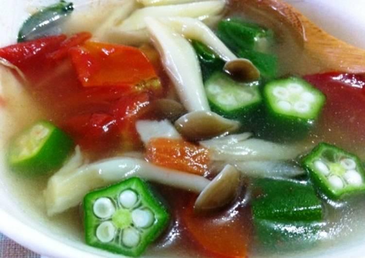 [菇菇巧思] 番茄營養菇湯食譜 by 小芳芳廚房 - Cookpad
