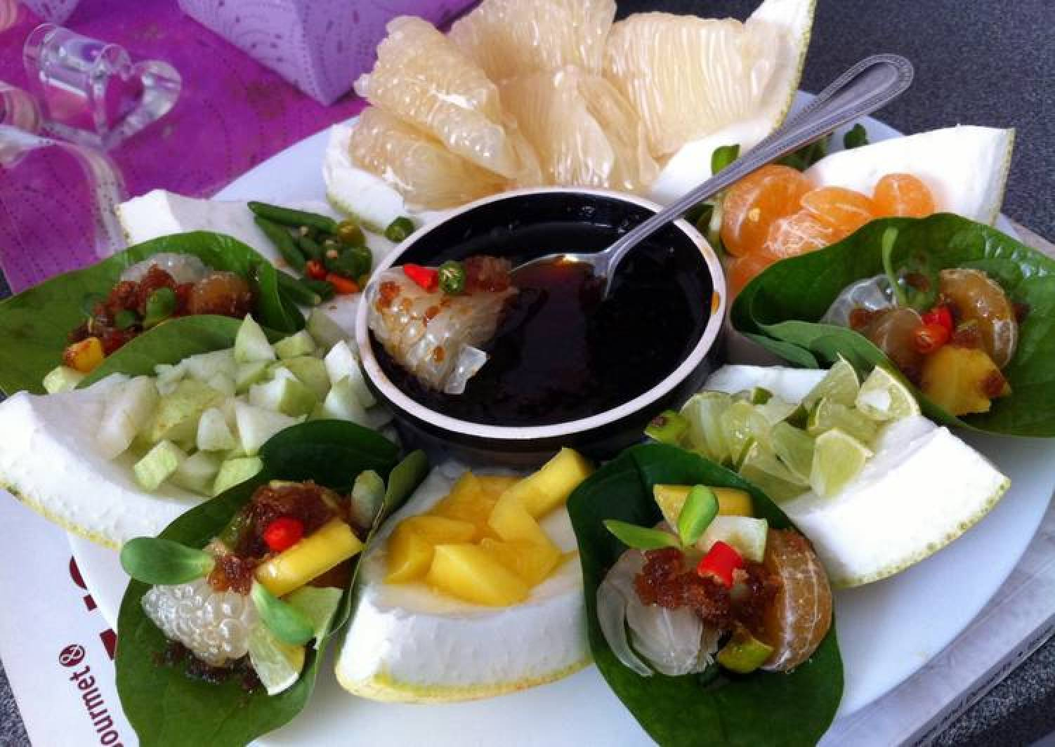 Kanya's Aroma Pomelo And Fruits Appetizer..Miang Kham..