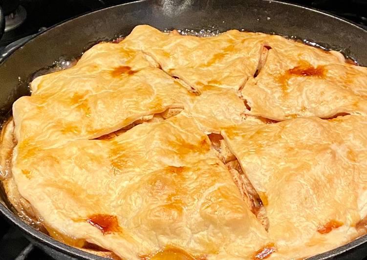 Cast iron apple pie