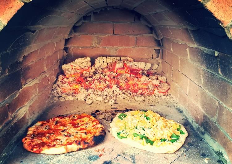 Wood fired Mac n Cheese pizza