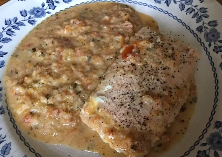 Pavés de saumon sauce crème aux carottes tomates et citron