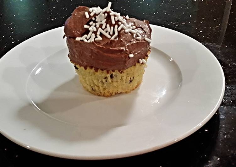 Easiest Way to Make Ultimate Chocolate Chip Cupcakes With Chocolate Ganache  Frosting