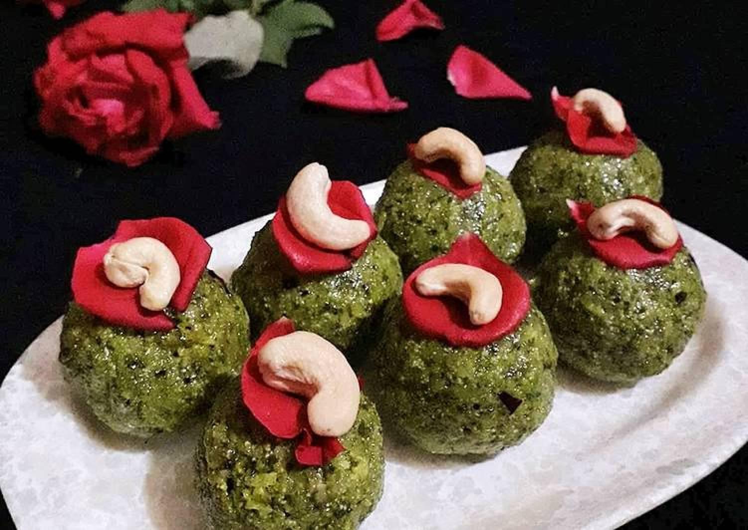 Stuffed Paan Laddu