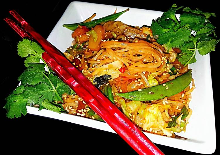 Mikes Spicy Garlic Sesame Rice Noodles