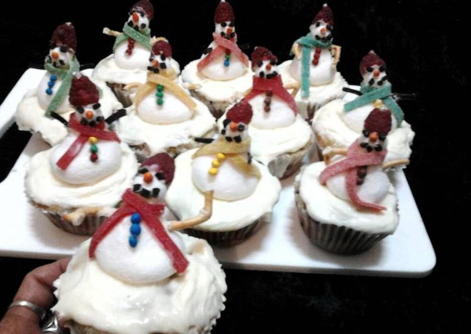 Ladybirds Christmas Snowmen Summer Fruitcupcakes .