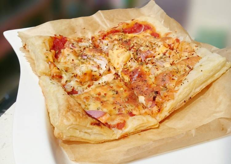 Salmon Puff Pizza