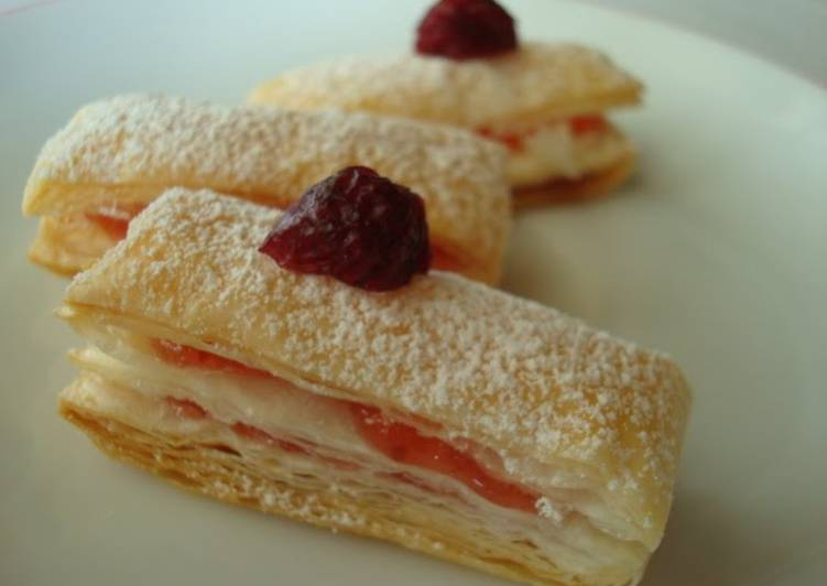 Cute and Delicious Mille-Feuille Jam Pies