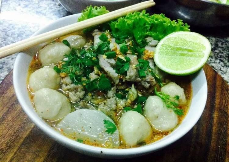 Kanyas Pork Noodles Soup