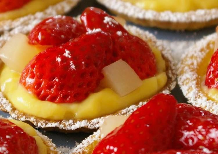 [Easy] Mini Strawberry Tarts with Soy Milk Custard