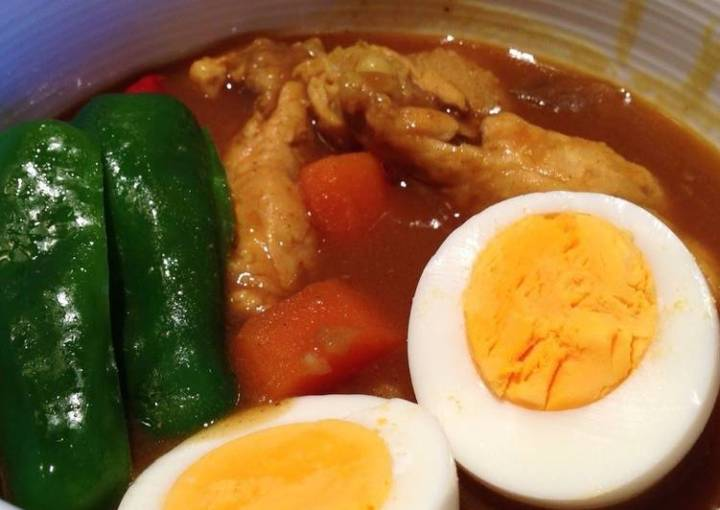 Easy Soup Curry with Simmered Chicken Wings