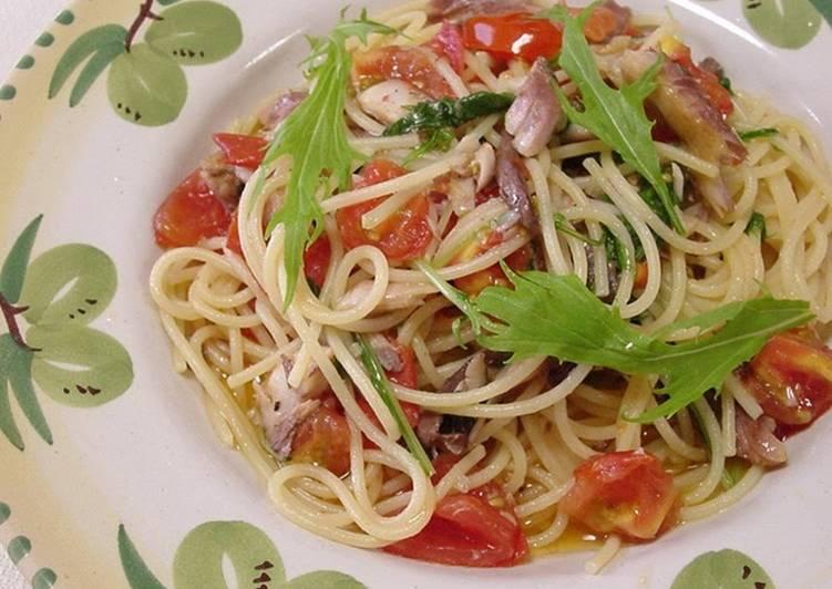 Recipe of Perfect Dried Horse Mackerel & Tomato Pasta