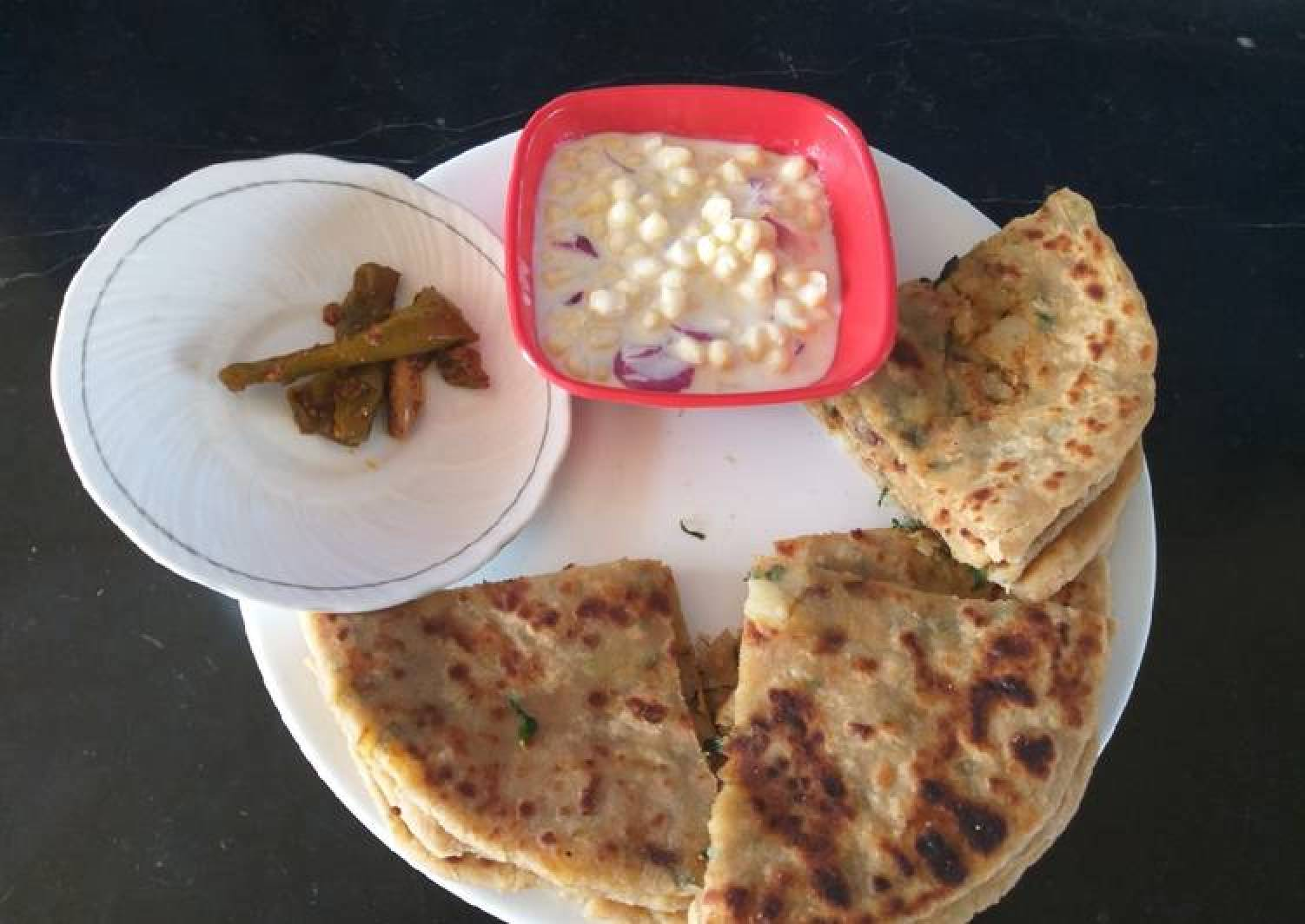 Potato and fenugreek leaves paratha