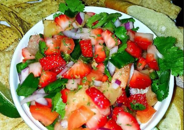 Mike's Strawberry Pineapple Jalapeño Salsa