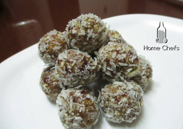 Oatmeal and coconut energy bites