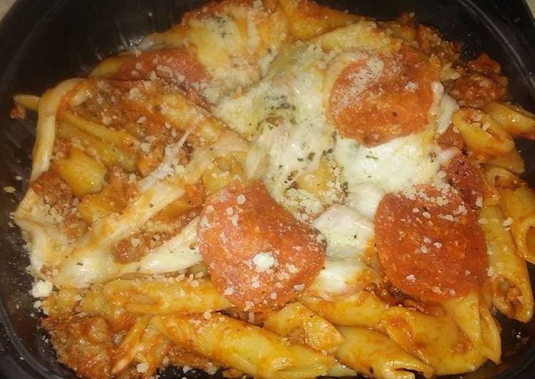 Easy Pizza baked pasta