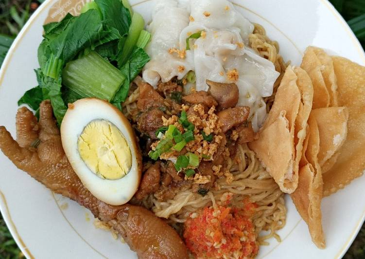 Mie Ayam Rumahan (komplit pangsit ayam)