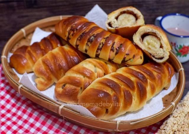 Roti kepang isi pisang coklat #homemadebylita