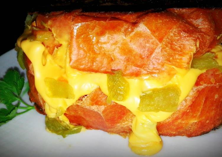 Mike's Green Chile Grilled Cheese
