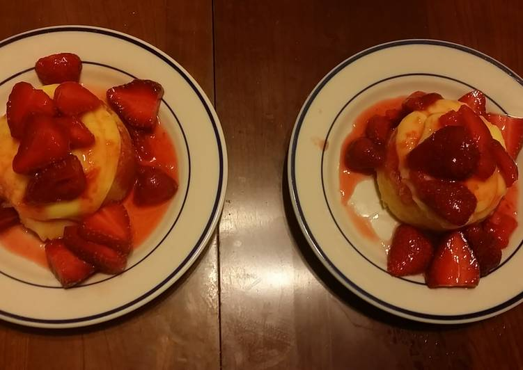 Taisen's vanilla pudding strawberry shortcake