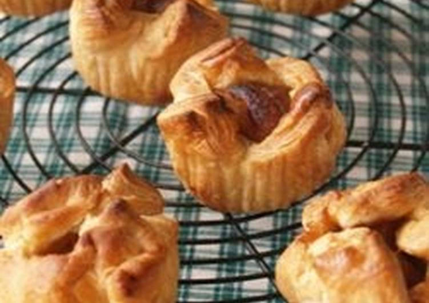 Little Apple Pies using Frozen Puff Pastry