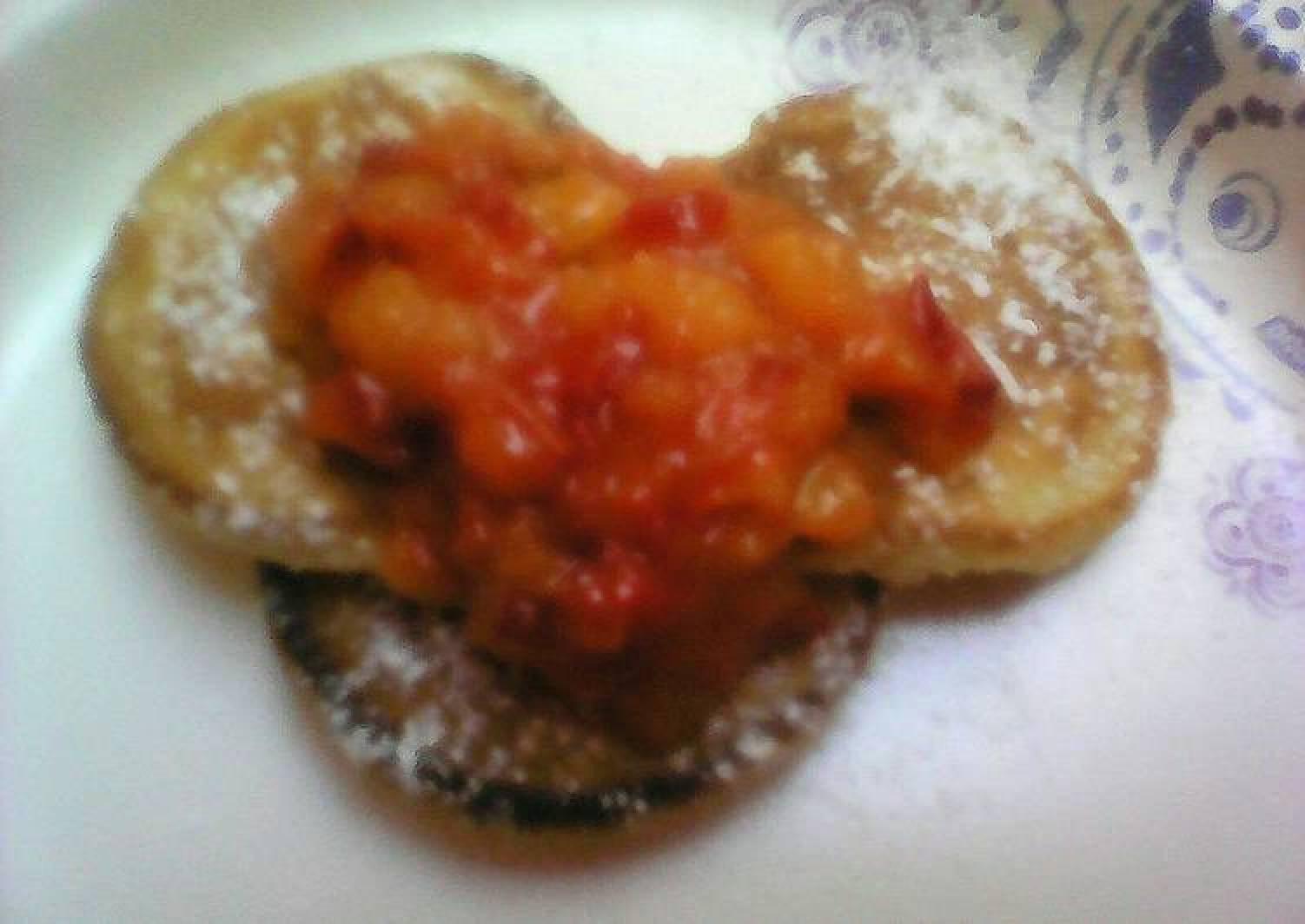 Peach pancake topping