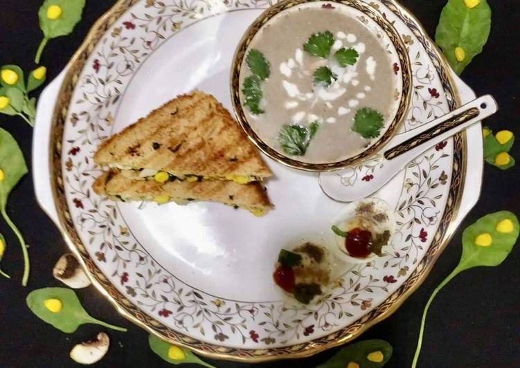 Cream of Mushroom Soup With Spinach-Methi Egg Sandwich