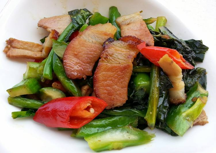 Chinese Broccoli With Roasted Pork