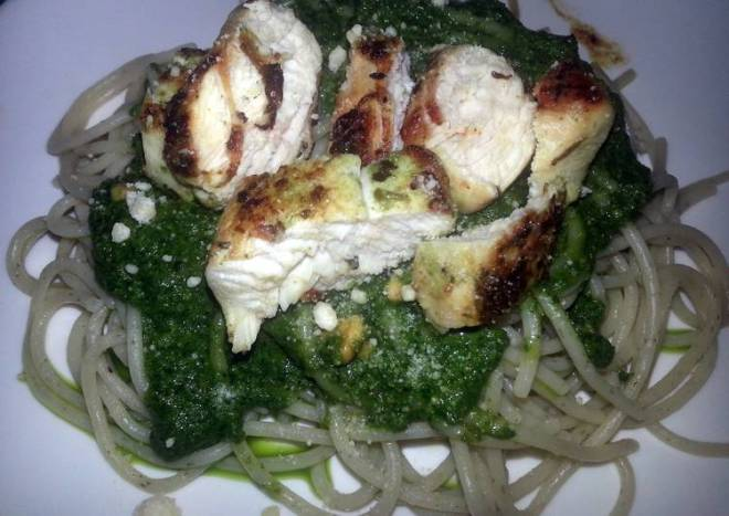 Spaghetti al Pesto with Chicken